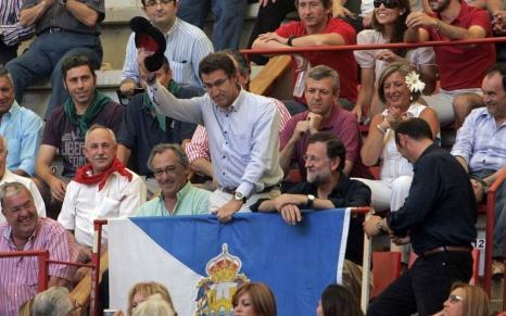Feijoo y Rajoy disfrutando de una tarde de toro en la plaza