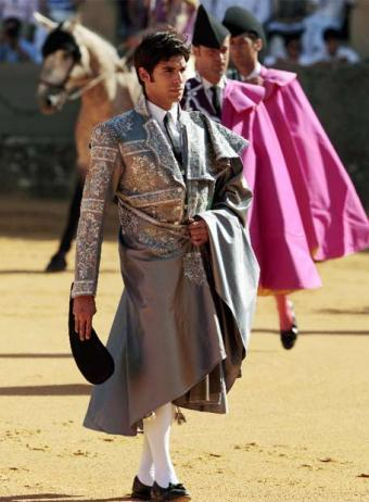 cayetano vestido de armani